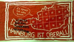 """Transparent """"Hainburg ist überall"""" (Grünes Archiv, Sammlung Gottfried Hochstetter). Photo: Monika Bargmann"""
